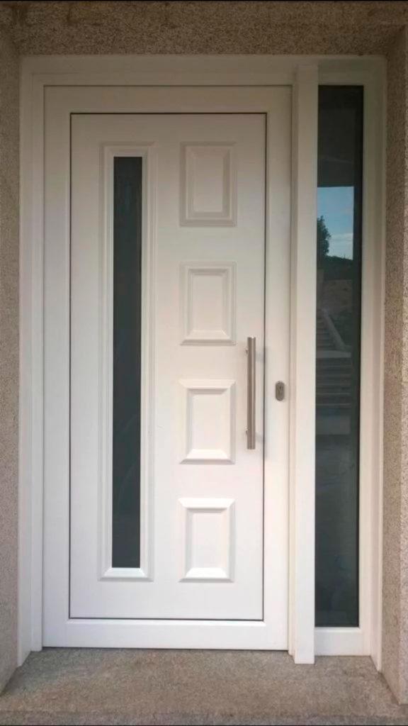 Puertas de aluminio para entrada principal lens puertas for Puertas de aluminio para entrada