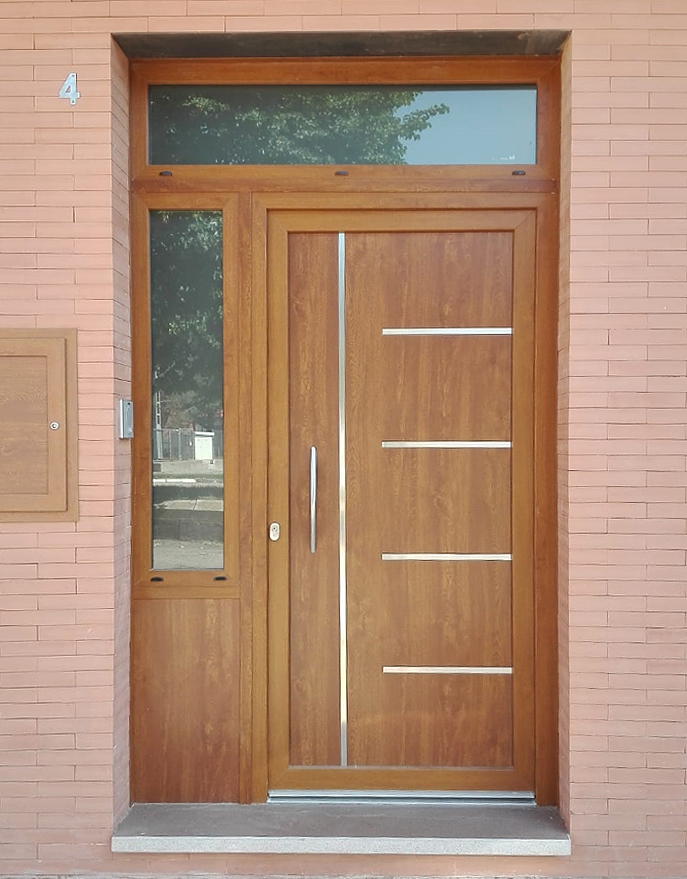 Puerta aluminio pvc