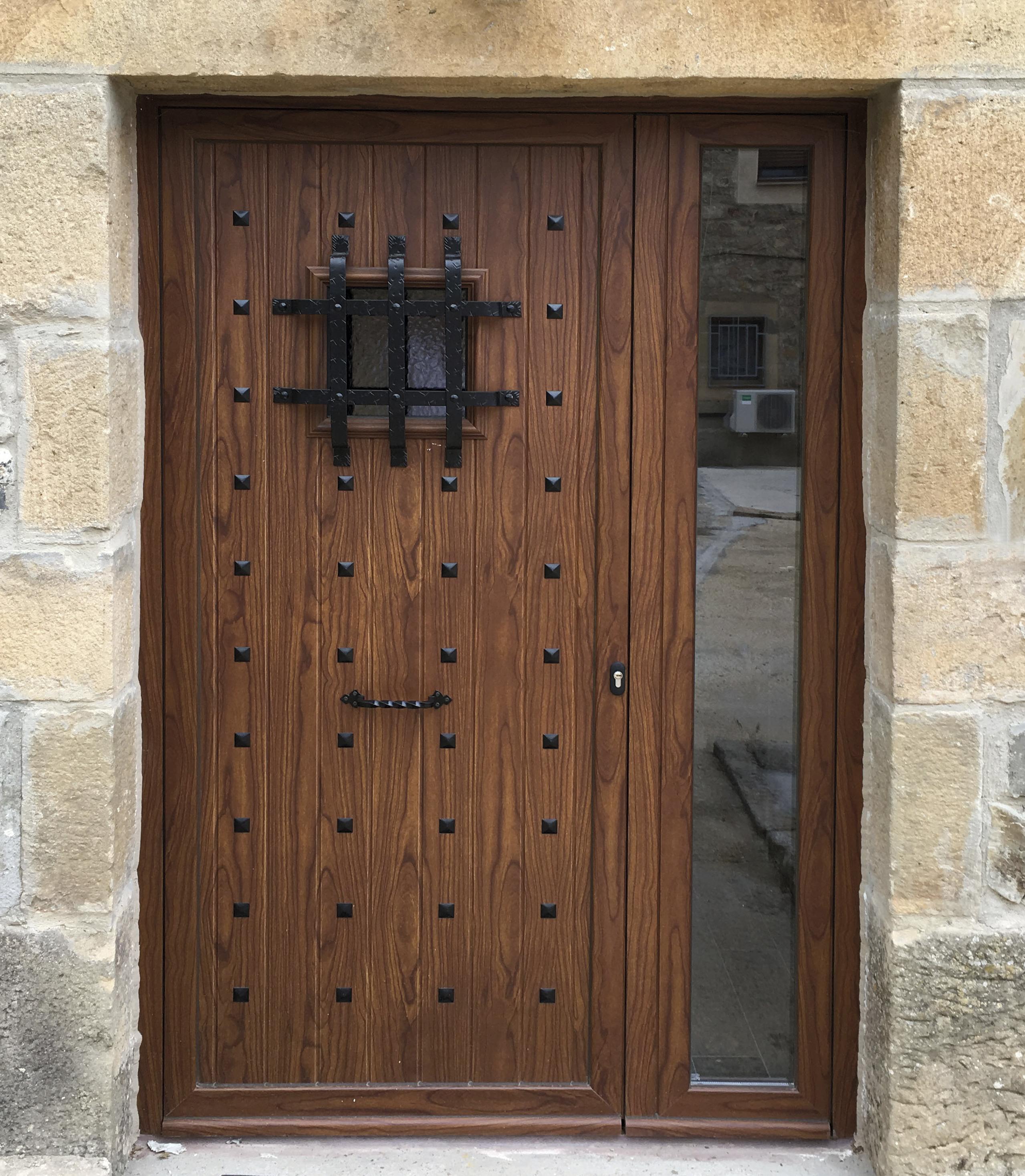 Puerta aluminio rustica