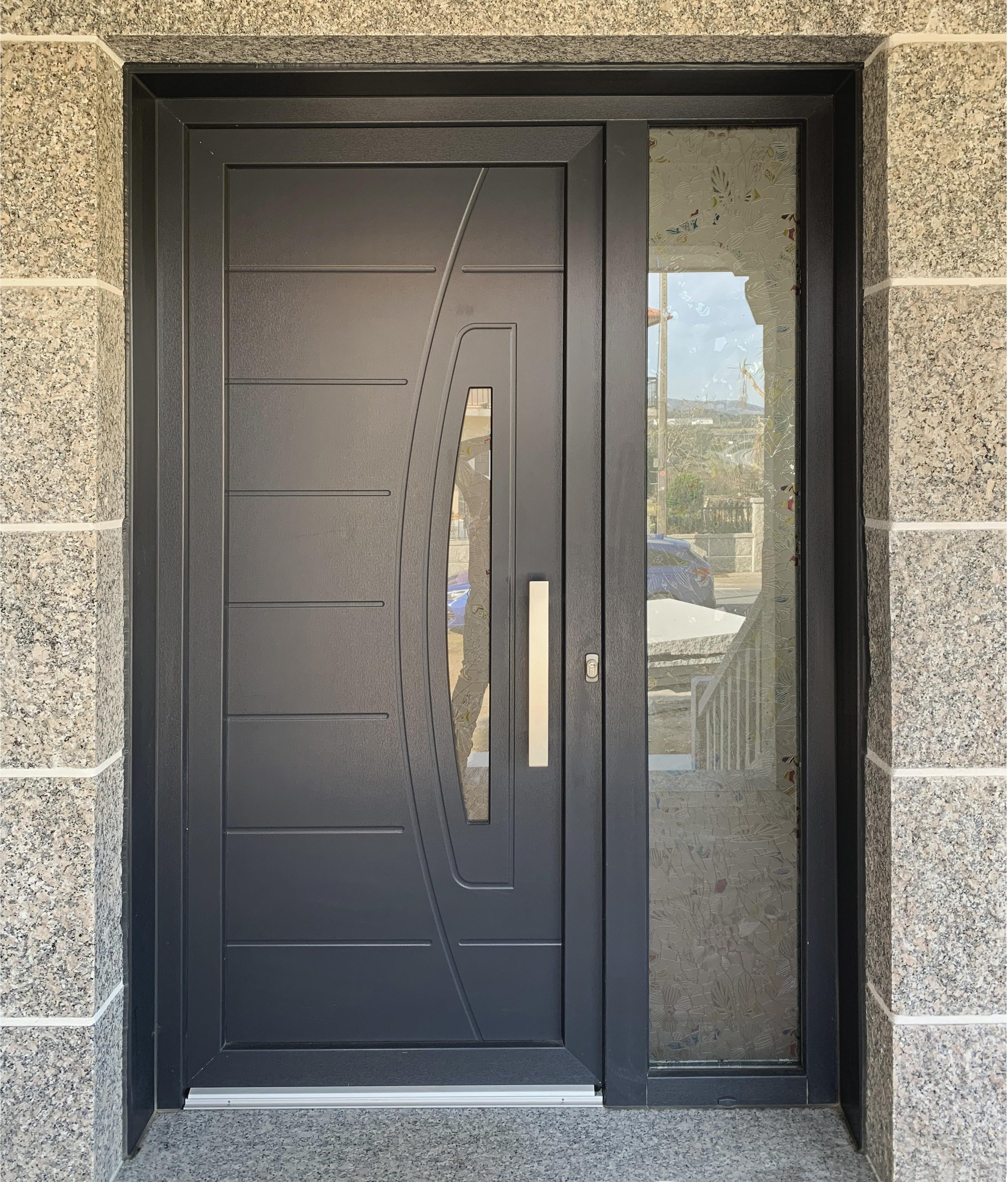 Puerta entrada antracita
